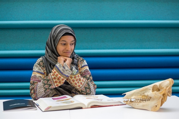 Salma, 18, UC Davis